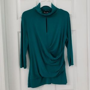 🌺Womens teal pullover 3/4 sleeve faux wrap shirt.